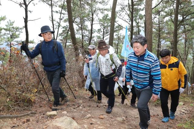 11월24일 엄홍길대장과 함께하는 제8회 거류산등산축제 (7).JPG